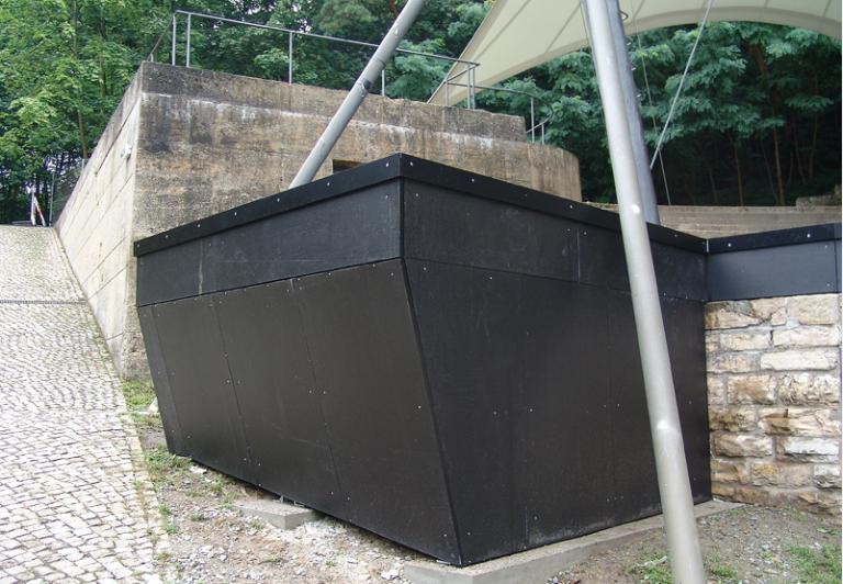 Loading Dock mit schwellenlosem Übergang zum Bühnenbereich